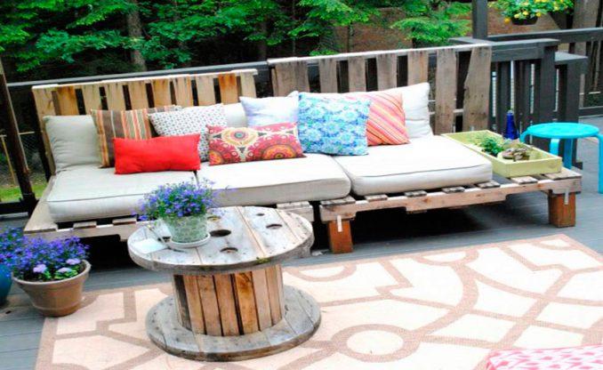 11-1-678x416 Лавочка для дачи - 150 фото идей деревьяных и металических дачных лавочек и скамеек
